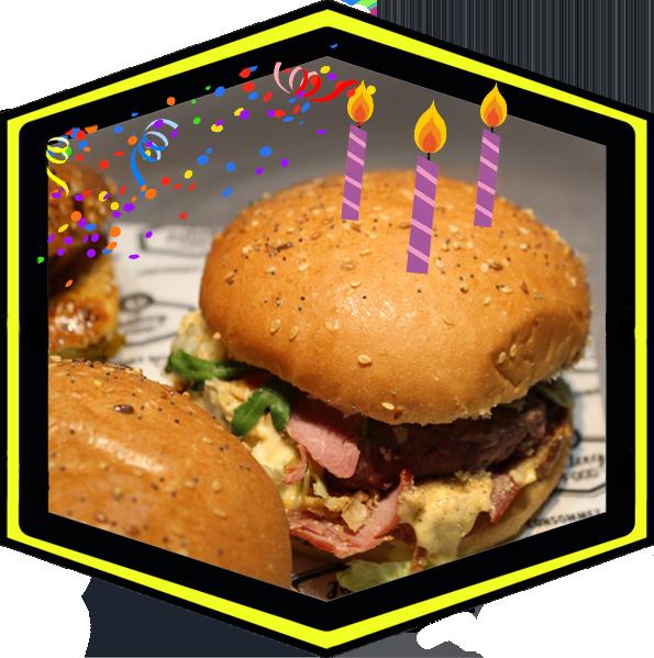 Burger d'anniversaire de JetLag Food